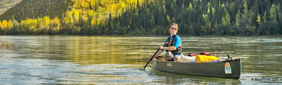 canoë sur le fleuve Yukon